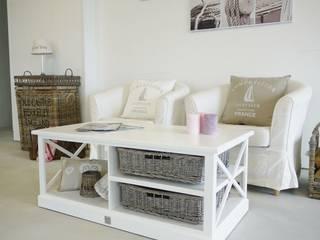 Couchtisch Coffeetable mit Rattankörben moderner Landhausstil:   von Homestyle & Garden