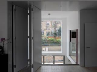 Bolingbroke Road Moderne Wohnzimmer von Inglis Badrashi Loddo Modern