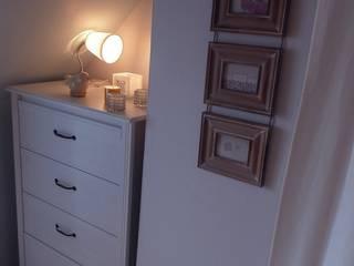Décoration d'une chambre à coucher:  de style  par L'Home Agencée