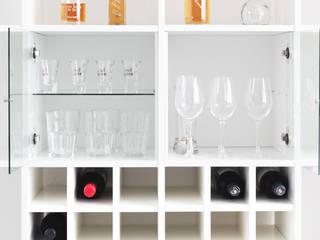 Vitrineneinsatz mit Glasboden zur Unterbringung von Gläsern:  Esszimmer von NSD New Swedish Design GmbH