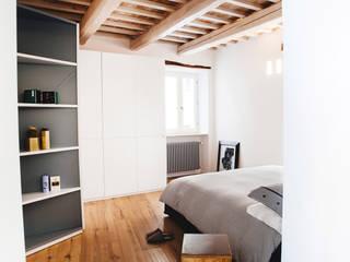 Casa Amalasunta Camera da letto in stile mediterraneo di Ossigeno Architettura Mediterraneo