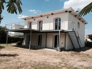 Renovation d'une Maison laissé à l'abandon:  de style  par EXCEL TRAVAUX