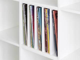 Kallax Regaleinsatz für Schallplatten:  Wohnzimmer von NSD New Swedish Design GmbH