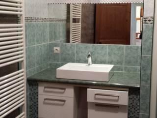 la salle de bain avant:  de style  par Christèle BRIER Architechniques