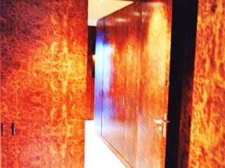 ห้องโถงทางเดินและบันไดสมัยใหม่ โดย ARC et SENS โมเดิร์น