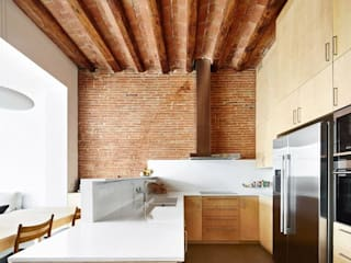 Kitchen by Vallribera Arquitectes