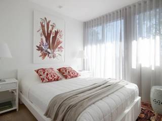 Avalon House: modern Bedroom by Greg Natale Design