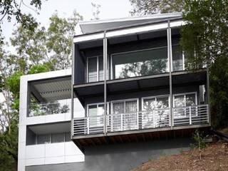 Avalon House: modern Houses by Greg Natale Design