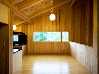 Eclectic style dining room by 山本想太郎設計アトリエ Eclectic Wood Wood effect