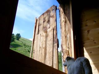 Studio Zazzi Puertas y ventanas de estilo rural
