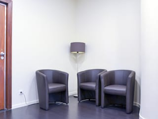 Sala de espera: Salas de estar  por FIlipa Figueira Arquitectura