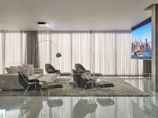 Salle multimédia de style  par Estela Netto Arquitetura e Design,