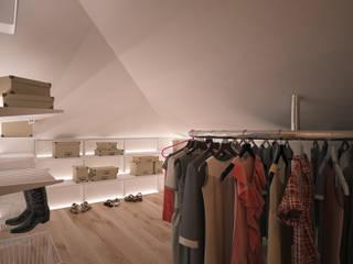 Vestidores y placares de estilo  por Solo Design Studio