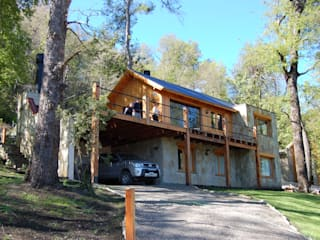 Aguirre Arquitectura Patagonica Classic style houses