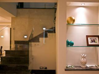 Detalle de escalera Pasillos, vestíbulos y escaleras modernos de fc3arquitectura Moderno