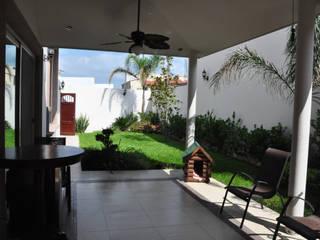 Patio: Jardines de estilo  por fc3arquitectura