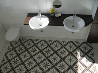 Mediterranean style bathrooms by Articima Mediterranean