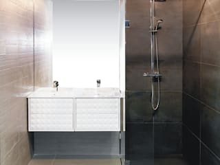 Moderne badkamers van Sałata-Pracownia Architektury Wnętrz Modern