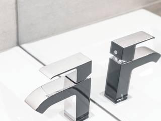 Box wystawienniczy w salonie łazienkowym, Szczecin Nowoczesna łazienka od Sałata-Pracownia Architektury Wnętrz Nowoczesny