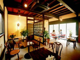 Restaurants de style  par 吉田建築計画事務所