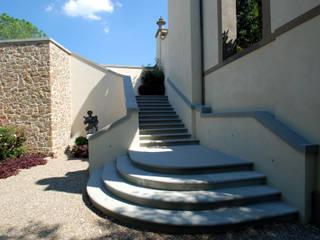 RASPANTI PIETRA SERENA SRL Classic style houses Stone Grey