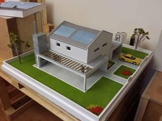 Casa Passiva: Case in stile in stile Moderno di Creativa S.r.l.