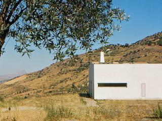 Cocinas de estilo mediterráneo de Maria Eliana Madonia Architetto Mediterráneo