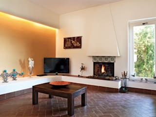 Eclectic style living room by Maria Eliana Madonia Architetto Eclectic