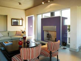 Ruang Keluarga oleh LLACAY arquitectos, Modern