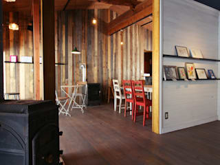 Sala multimediale in stile classico di dwarf Classico