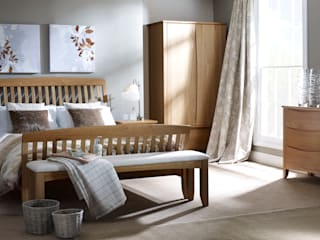 Arlingham Hand Finished Bedroom: modern  by Corndell Quality Furniture, Modern