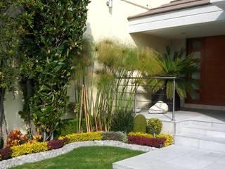 Diseno de Interiores: Jardines de estilo  por Diseno de interiores y asesoria