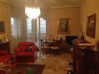 Restyling di appartamento a Piacenza: Soggiorno in stile in stile Moderno di Annalisa Tinelli Architetto