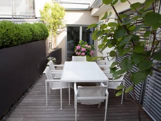 BEGRÜNDER Balcones y terrazas de estilo moderno