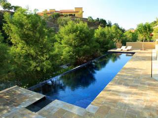 Moderne Pools von Adrián Martínez Arquitectos Modern