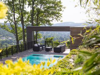 Poollandschaft BEGRÜNDER Moderner Garten