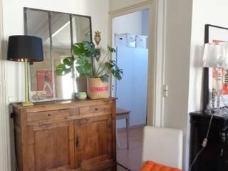 Appartement de famille Bordeaux Chartrons: Couloir et hall d'entrée de style  par Maison Intuition
