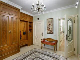 Klasyczny korytarz, przedpokój i schody od Valeria Ganina Klasyczny