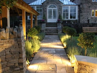 The Grove:  Garden by Bestall & Co Landscape Design Ltd