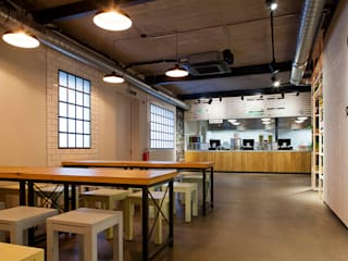 whythefriday Löbbert + Jung GbR Industrial style dining room