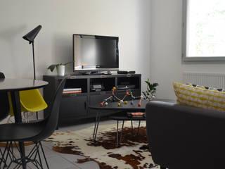 Salon: Salon de style de style Scandinave par Florian PRESLE