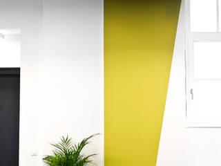 Pasillos y recibidores de estilo  por Sabine Oster Architektur & Innenarchitektur (Sabine Oster UG), Moderno