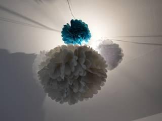 Luminaires en papier par JC Créations d'intérieurs Éclectique