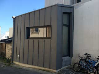 ห้องโถงทางเดินและบันไดสมัยใหม่ โดย BCM โมเดิร์น