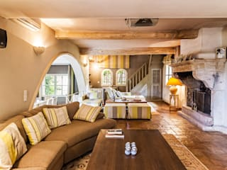 PASSAGE CITRON Mediterranean style living room