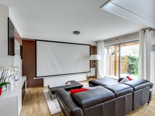 Un cinéma à la maison par REVEL'HOME