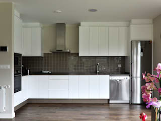 Casas Cube Modern kitchen