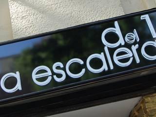 """Cafetería / Bar """"La Escalera del 15"""" Gastronomía de estilo clásico de FrAncisco SilvÁn - Arquitectura de Interior Clásico"""
