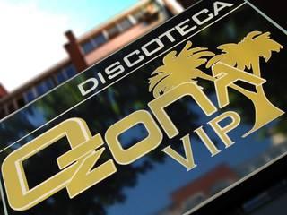 Discoteca Ozona Vip Bares y clubs de estilo moderno de FrAncisco SilvÁn - Arquitectura de Interior Moderno