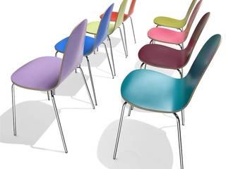 Chaise design colorée Caramella :  de style  par SLEDGE MOBILIER DESIGN
